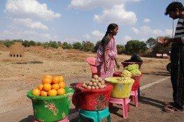 fruit-vendor-272228_1280