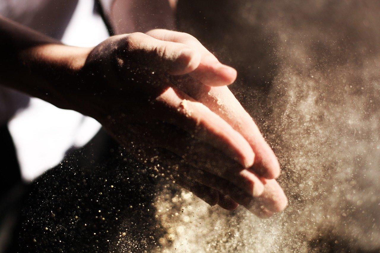 hands-731241_1280